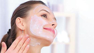 Cuidar tu piel con cremas y productos naturales hará que esta luzca hermosa